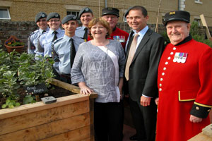 Heather-Budge-Reid,-Phil-Jones,-air-cadets-and-Chelsea-Pensioners-at-Honesty-launch