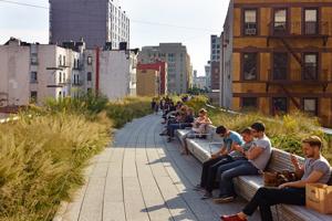 people-sitting-on-line