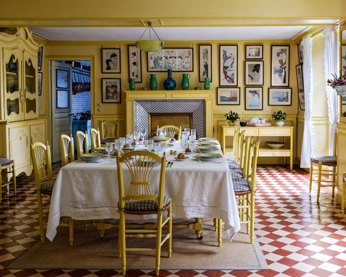 U201cTable Set For Ten Guests In Claude Monetu0027s Dining Room.u201d ©Francis Hammond.